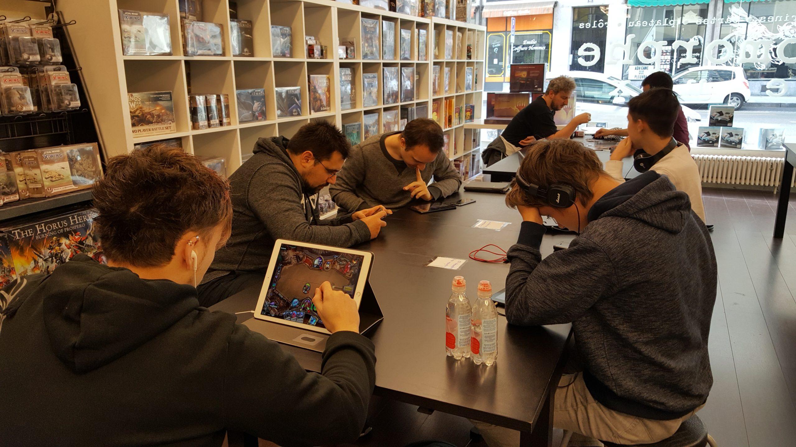 Hearthstone Café – les résultats et les photos